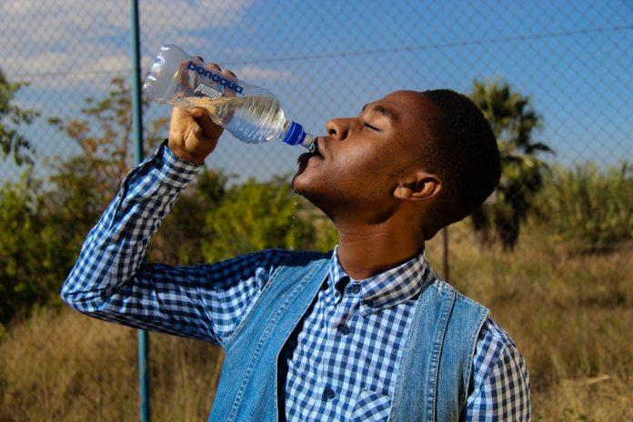 water drinken buitenland