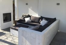loungebank buiten